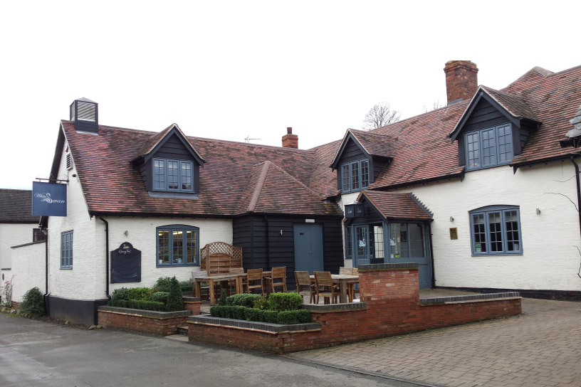 mark rogers decorating - the white swan shawell